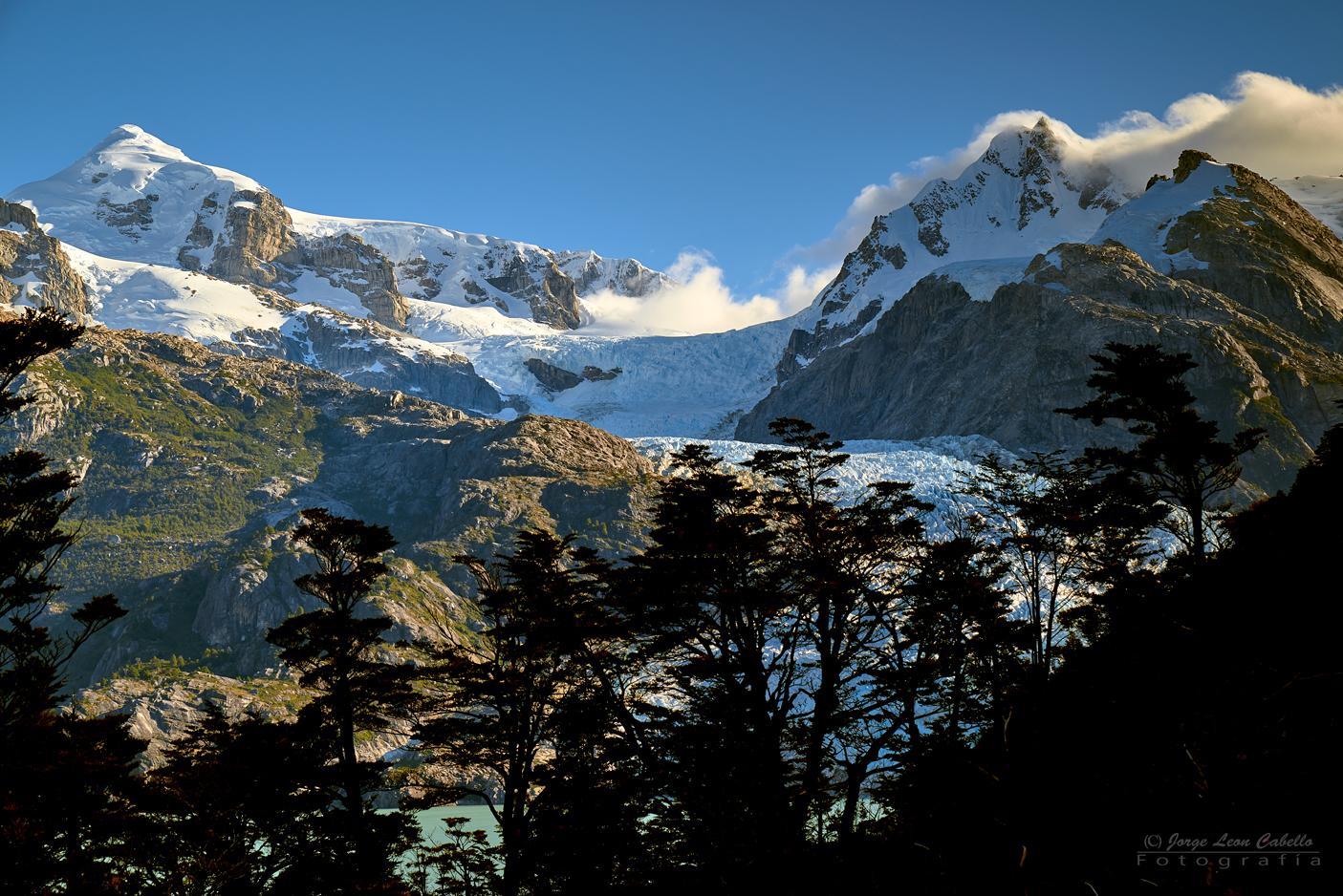 Glaciar Leones y Cerro Hyades