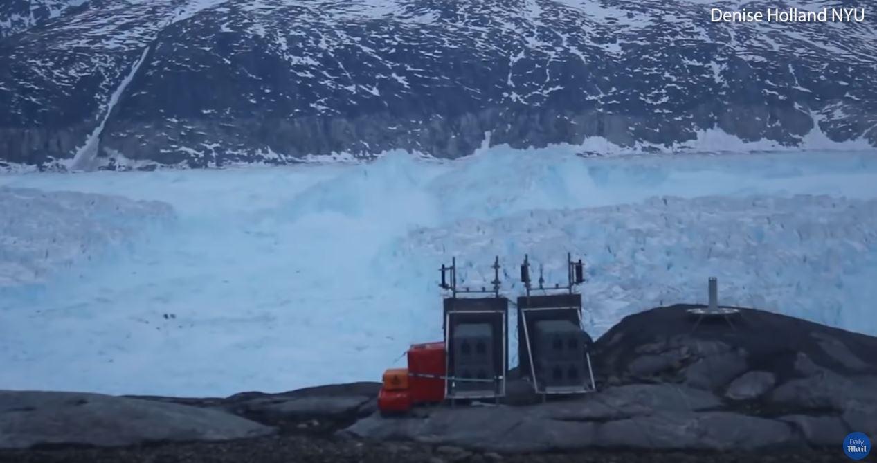 Masivo desprendimiento en glaciar Helheim, Groenlandia
