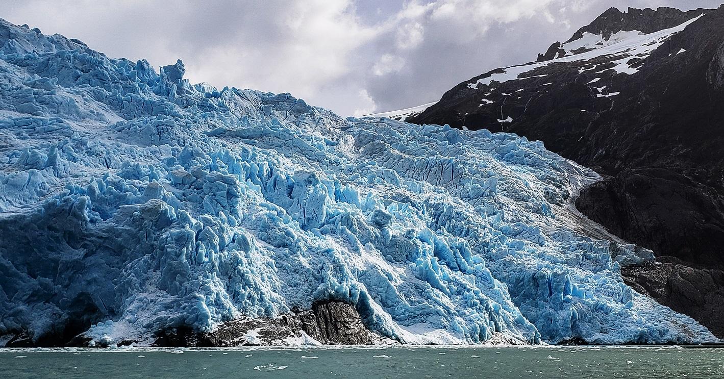 Glaciares de la isla Santa Inés: región de hielos y ballenas - Glaciares  Chilenos