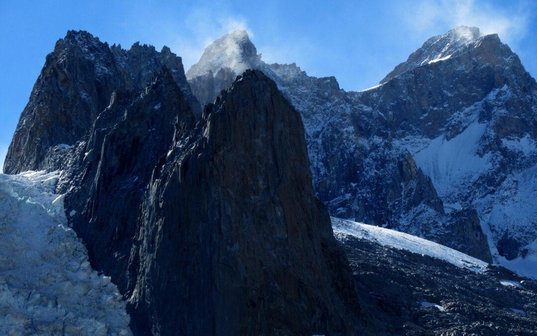 Los gigantes de hielo de la Sierra del Brujo en la región de O'higgins